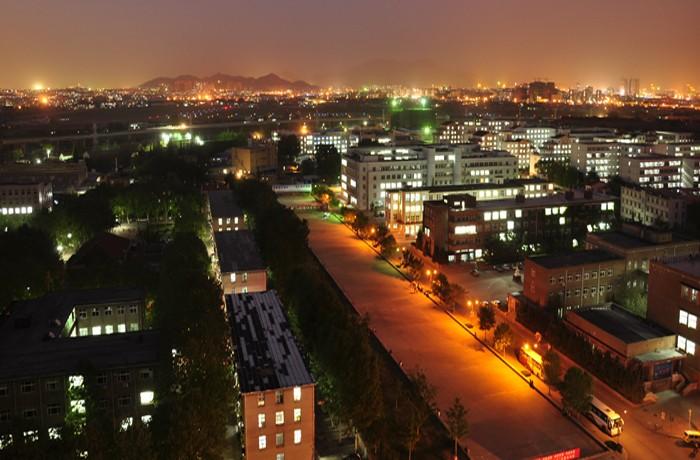 青岛科技大学四方校区夜景-青岛科技大学基建处